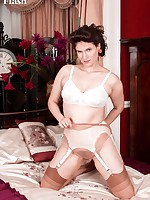 Brianna recalls her early days dressing up that got her into a love of vintage nylons and lingerie!