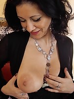 Jesse - Sexy Mature Arab Beauty