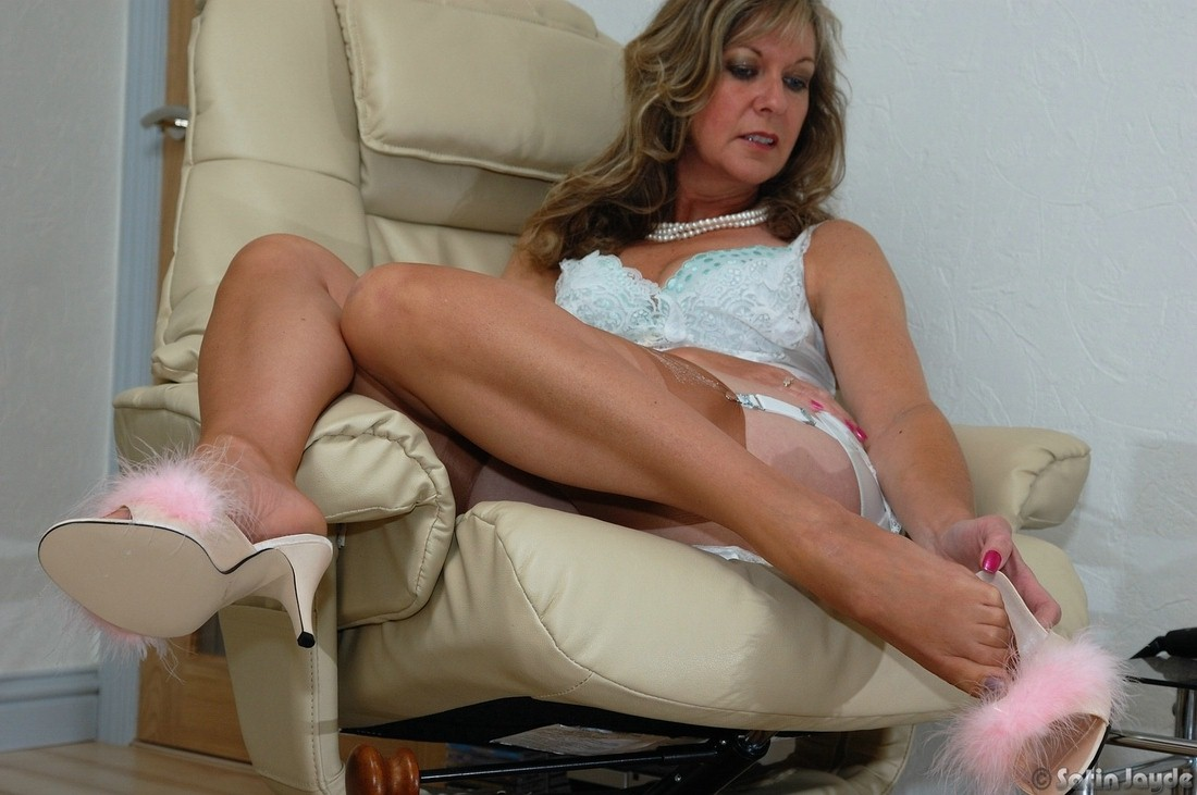 moms pantyhose and stocking videos